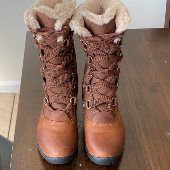 Timberland Mount Hope Mid LeatherFabric Waterproof Boots Women's